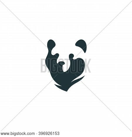 Grizzly Bear Head Logo Design Template For A Light Background. Vector Illustration.