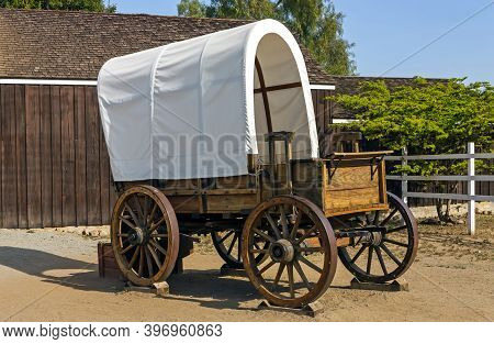 San Diego, America - April 23, 2014:wild West Cart In Old Town San Diego, California,usa