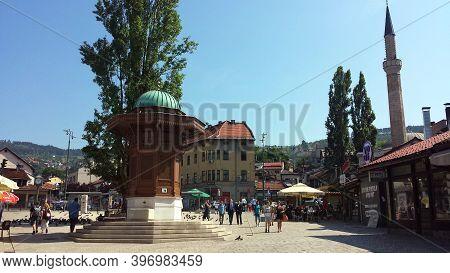 Sarajevo, Bosnia And Herzegovina - June 25, 2017: Sebilj Square In The Old City In Sarajevo, Bosnia