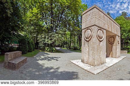Targu-jiu, Romania - July 23, 2020: Kissing Gate, Symbolize The Triumph Of Life Over Death. The Scul
