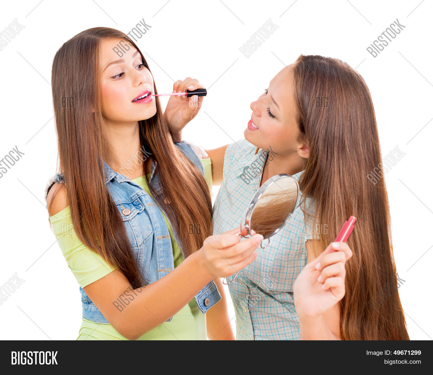 A teen girl in lip gloss 8