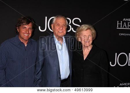 LOS ANGELES - AUG 13:  Scott Marshall, Garry Marshall, Barbara Marshall at the