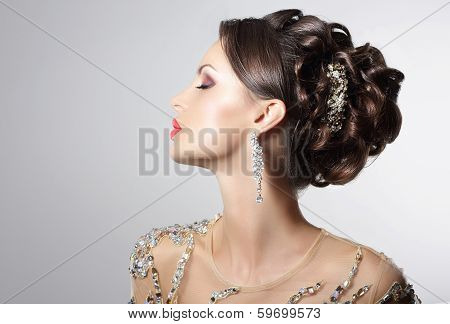 Fashionable Brunette With Costume Jewelry - Trendy Rhinestones And Strass
