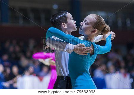 Pereverzev Marat and Ratomskaya Anna perform Juvenile-1 Standard European program