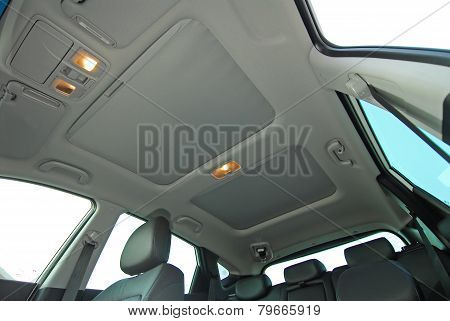 car sunroof closed