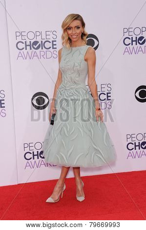 LOS ANGELES - JAN 07:  Giuliana Rancic arrives to the People's Choice Awards 2014  on January 7, 2015 in Los Angeles, CA