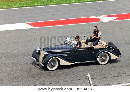 BARCELONA- MAY 9: Robert Kubica of Renault on parade of pilots before a stage of race the Formula 1