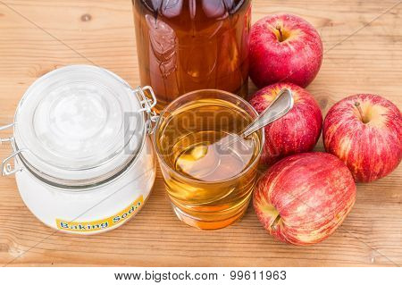Apple Cider Vinegar And Baking Soda Combination For Acid Reflux Condition.