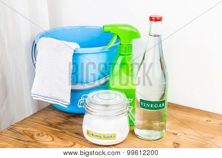 Baking Soda With Vinegar, Natural Mix For Effective House Cleaning.