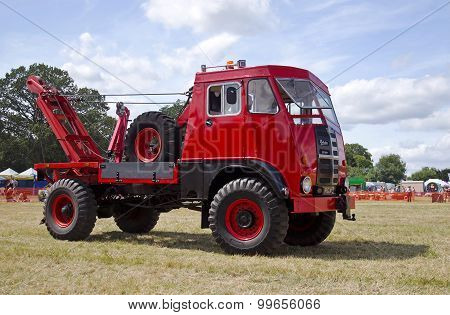 Matador recovery truck
