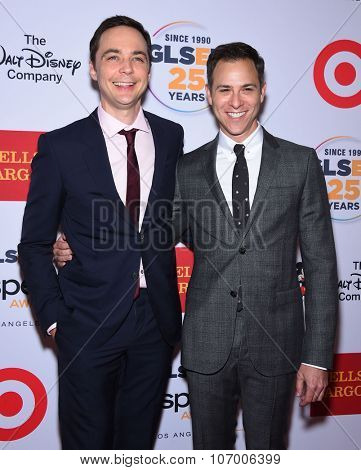 LOS ANGELES - OCT 23:  Jim Parsons & Todd Spiewak arrives to the GLSEN Awards 2015 on October 23, 2015 in Hollywood, CA.