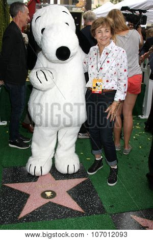 LOS ANGELES - NOV 2:  Snoopy, Jean Schultz at the Snoopy Hollywood Walk of Fame Ceremony at the Hollywood Walk of Fame on November 2, 2015 in Los Angeles, CA
