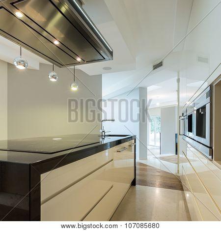 Worktop In Contemporary Kitchen