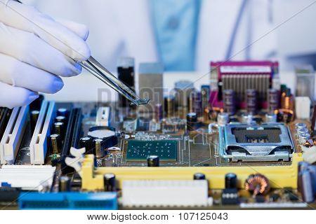 Microchip Assembling