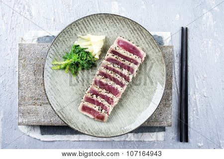 Tuna Tataki with Wakame and Ginger
