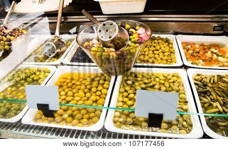 Olive Stand