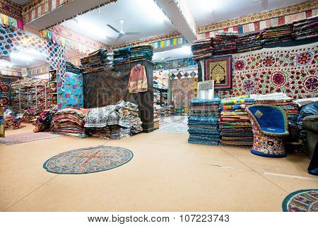 Big Indian Souvenir Shop, Carpets And Shawls In The Old Town