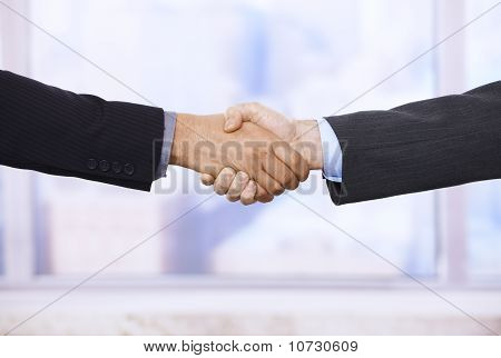 Handshake in Nahaufnahme