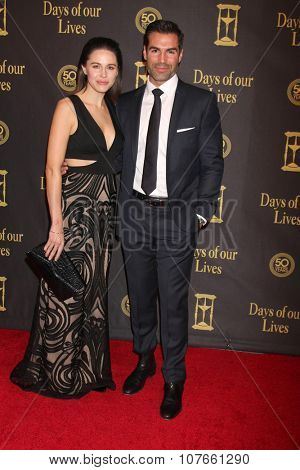 LOS ANGELES - NOV 7:  Kaitlin Riley, Jordi Vilasuso at the Days of Our Lives 50th Anniversary Party at the Hollywood Palladium on November 7, 2015 in Los Angeles, CA