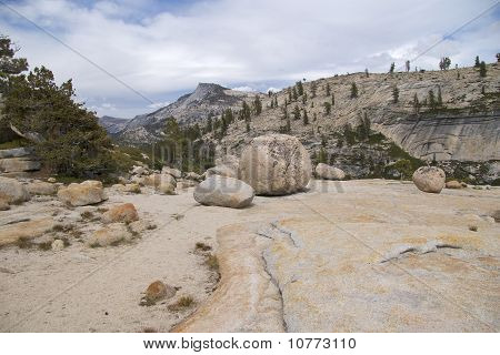 Boulders at Olmsted Trail, Yosemite