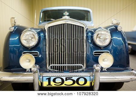 Exhibition Of Retro cars In Mezhyhirya
