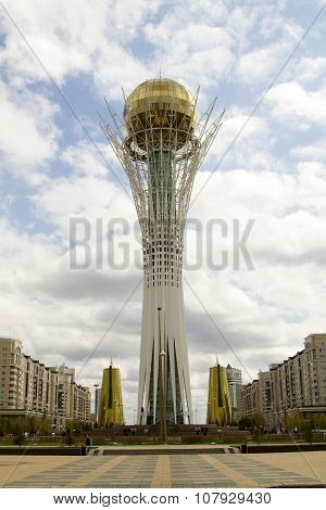 The main attraction of the capital of Kazakhstan - Astana-Baiterek monument