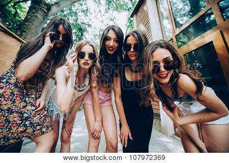 five young beautiful girls