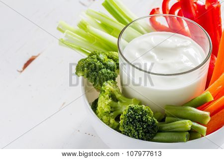 Vegetable sticks and yogurt dip