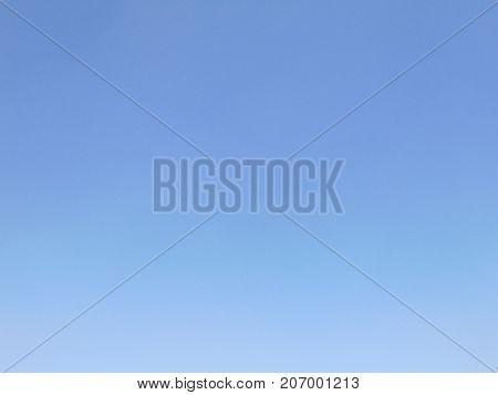 Fondo degradado azul suave, ideal para todo tipo de escritorio o fondo de pantalla