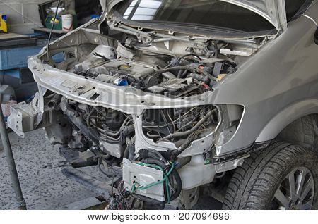 View of the deformed bodywork of a incidented car