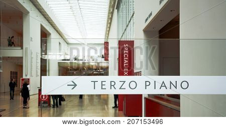 Chicago IL USA october 27 2016: Chicago Art Institute main entrance with the Terzo Piano restaurant indication