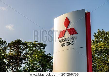 Northampton Uk October 3, 2017: Mitsubishi Motors Logo Sign Stand Northampton Industrial Estate