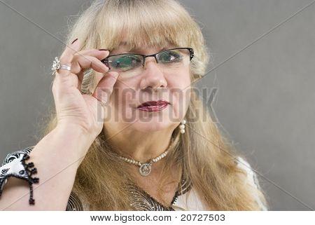 Porträt einer schönen Frauen mittleren Alters