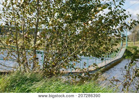 bridge, old, wooden, pendant, wood, long, river, aged, nature, suspended, cross, over, stream, summer, water, travel, landscape, outdoor, path, worn, hanging, aerial, suspension, pendulous, underslung, green, natural, architecture, rural, scenic, autumn,