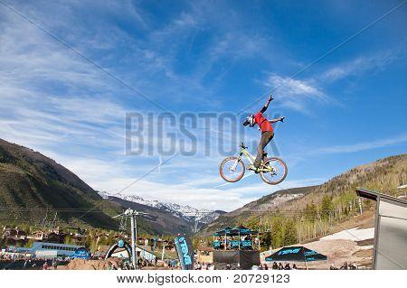 Bike slopestyle competition during the 10th Teva Mountain Games