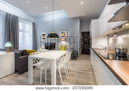 Modern Studio Flat With Kichenette