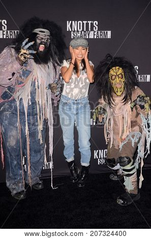 LOS ANGELES - SEP 29:  Jeannie Mai at the Knott's Scary Farm and Instagram Celebrity Night at the Knott's Berry Farm on September 29, 2017 in Buena Parks, CA