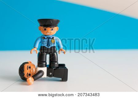 Police On Thief