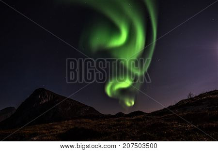 Twist and Dance. Aurora Borealis performance one beautiful night in October.