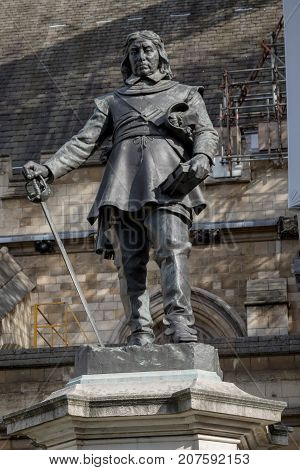 London 28th September 2017:-Statue of Oliver Cromwell at the Palace of Westminster leader of the Parliamentarians during the English Civil War.