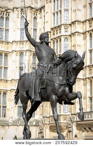 London 28th September 2017:-Statue of King Richard 1st at the Palace of Westminster