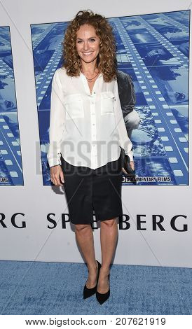 LOS ANGELES - SEP 26:  Amy Brenneman arrives for the HBO's premiere of 'Spielberg' on September 26, 2017 in Hollywood, CA