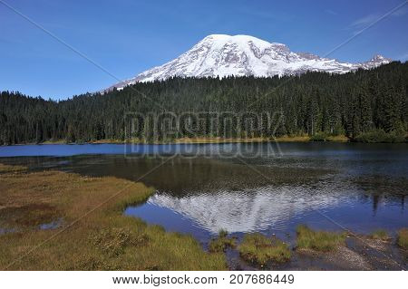 Mount Rainier National Park, highest mountain in the U.S. state of Washington, Seattle