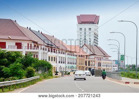 Vientiane, Laos - September 2015: Street By The Mekong River In Front Of Vientiane New World (vnw),