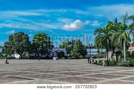 SANTO DOMINGO DOMINICAN REPUBLIC - SEPTEMBER 10 2017: Sunday afternoon so calm in the Plaza de España in the colonial area.