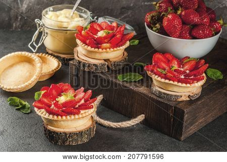 Strawberry Pies With Custard And Mint
