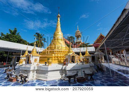 Golden Pagoda Of Wat Phai Lom, Nonthaburi