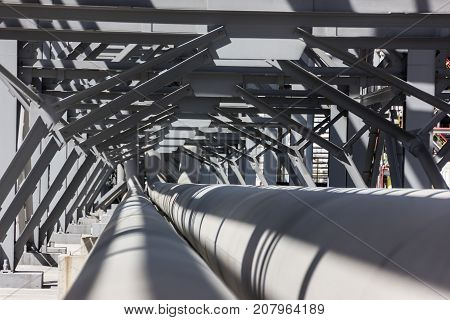Pipes in the installation of a petrochemical plant