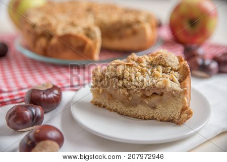 home made apple pie with cinnamon streusel