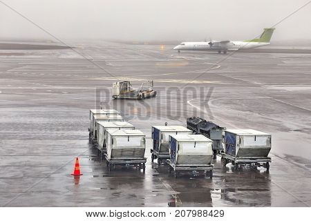 Air cargo unit load devices at an airport